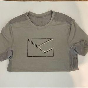 Lululemon short sleeve t-shirt with envelope